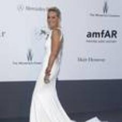 Generous stars at Cannes Aids gala