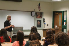 world war 2 vet visits glenbrook north